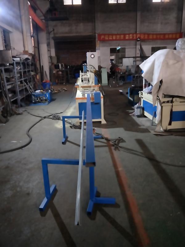 轻钢龙骨机厂家要关注龙骨机的工艺质量变化